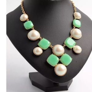 KATE SPADE GREEN & IVORY PEARL STATEMENT NECKLACE!